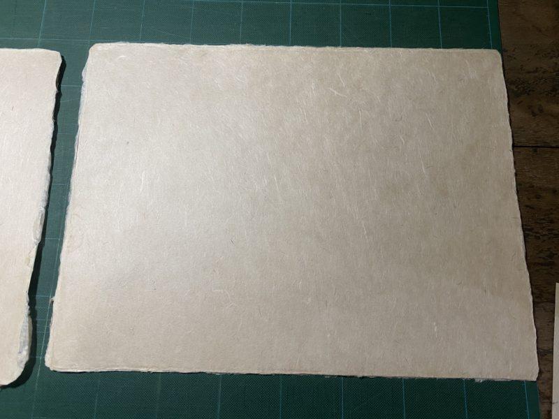 楮と三椏が半々の暑手の和紙